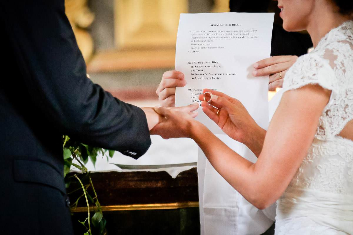 Hochzeitsfotograf Bonn - Ringtausch Steigenberger