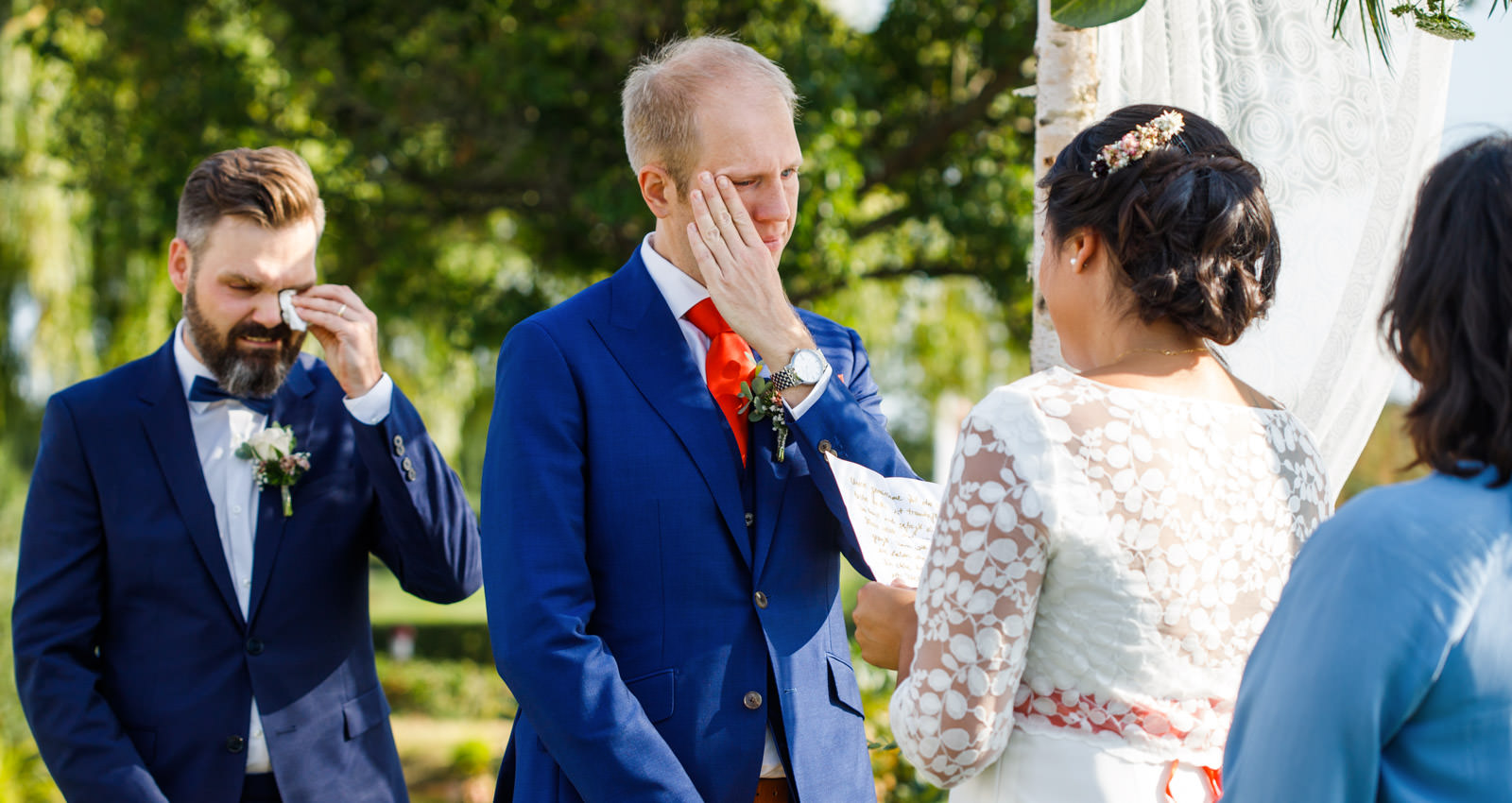 Hochzeitsfotograf Koeln - Bräutigam ist gerührt